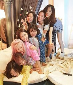 SNSD | Girls Generation | Holiday Night