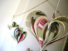 Well,Top Dreamer has for you 20 cute diy newspaper decoration ideas. Cute Diys, Cute Crafts, Crafts To Make, Diy Crafts, Diy Newspaper Decorations, Newspaper Crafts, Hanging Decorations, Diy For Kids, Crafts For Kids