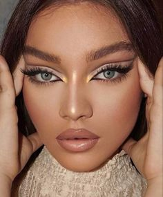 😍 Using and for a flawless complexion 🔥Find your perfect complexion and more at and Makeup Trends, Eye Trends, Makeup Tips, Makeup Ideas, Fox Makeup, Glam Makeup, Skin Makeup, Beauty Makeup, Selena Gomez