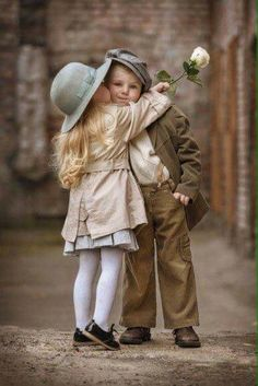 Happy Sunday beautiful dreamers The sign of a beautiful person is that they always see beauty in others 🌹 🌹 🌹 🌹 🌹 ♥♪♫ 🌹 🌹 🌹 🌹 🌹 I the dreamers╭ Precious Children, Beautiful Children, Beautiful Babies, Baby Kind, Baby Love, Little People, Little Ones, Cute Kids, Cute Babies