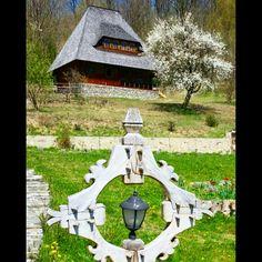 Casa traditionala maramuresana .