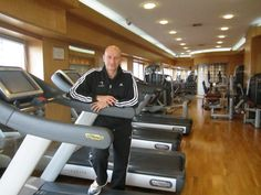 Our personal trainer Marco at Club 10 fitness & beauty centre.