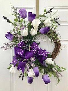 Creative Diy Spring Wreath - New Deko Sites Wreath Crafts, Diy Wreath, Door Wreaths, Wreath Ideas, Diy Spring Wreath, Spring Crafts, Easter Wreaths, Holiday Wreaths, Tulip Wreath