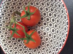 Tomatoes Rooftop Terrace, Tomatoes, Indoor Outdoor, Watermelon, Fruit, Roof Terraces, Rooftop Deck, Rooftop Patio, Tomato Plants