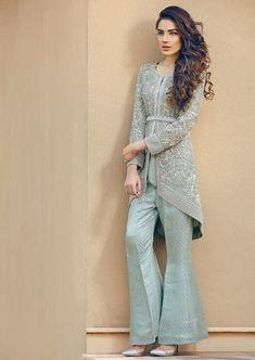 Latest Stitching Styles Of Pakistani Dresses 2019 Pakistani Fashion Casual, Pakistani Wedding Outfits, Pakistani Dresses Casual, Indian Fashion Dresses, Pakistani Dress Design, Indian Designer Outfits, Muslim Fashion, Indian Outfits, Hijab Fashion