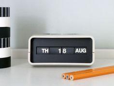 Retro Desk Calendar