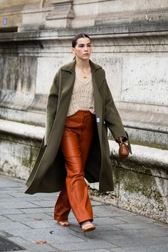 Street style : les looks de la Fashion Week de Paris printemps-été 2020 - Page 18 | Vogue Paris