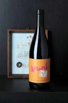 »Spunk« St. Laurent, der Zweite vom Weingut Adams, Rheinhessen. Widdewiddewitt – dieser Wein macht was ihm gefällt. Ein idealer Entdecker- Tropfen aus Holzfass und Barrique.