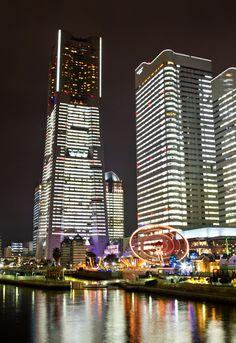 ランドマークタワーの夜景 | -PAKUTASO/ぱくたそ-