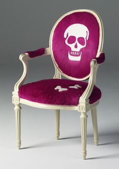 Mix and Chic: Cool products alert- Holy skull (cow) hides!