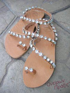Sandali in pelle decorata con cristalli Erato