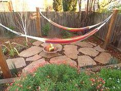 43 New ideas backyard hammock diy trees Diy Hammock, Backyard Hammock, Hammock Stand, Fire Pit Backyard, Backyard Patio, Backyard Landscaping, Outdoor Hammock, Hammocks, Hammock Posts