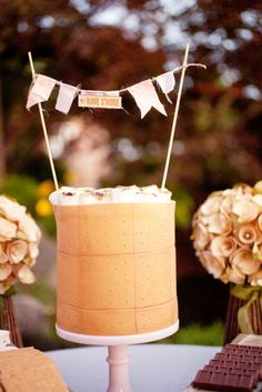 S'mores wedding cake? Um, I think I just found a good reason to get married soon!