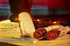 Chorizo de Nuestra Matanza y Pan de Toro - Miguel Pereda Fotografo www.miguelpereda.com