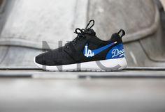 f65c5ba3018 Los Angeles Dodgers Nike Roshe Run Black Custom Men   by NYCustoms