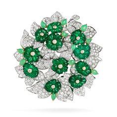 "Clip ""emerald Bouquet"" - van Cleef and Arpels Purple Jewelry, Emerald Jewelry, I Love Jewelry, Art Deco Jewelry, High Jewelry, Heart Jewelry, Luxury Jewelry, Jewelry Design, Flower Jewelry"