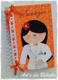 Caderninho de Receitas... Este foi para a Léia!!! Capa do diário da Prof. Patrícia do 1º Ano, sala que estou amando estagiar. Agenda per... Diy Crafts For Gifts, Foam Crafts, Creative Crafts, Crafts For Kids, Art Drawings For Kids, Decorate Notebook, School Decorations, Sewing Dolls, Cute Cartoon Wallpapers