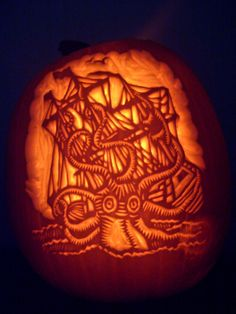Kraken-o-lantern by ~NParten is one of the winners from deviantART's Halloween Carving Contest! These three winners will receive a custom pumpkin trophy, 1 deviantWEAR hoodie and shirt. Pumpkin Carving Contest, Pumpkin Carving Party, Amazing Pumpkin Carving, Pumpkin Carvings, Halloween 2020, Halloween Treats, Halloween Pumpkins, Halloween Decorations, Halloween Costumes