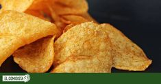 Make chips yourself: how it works - Utopia.de- Chips selber machen: so geht's – Utopia.de Make chips yourself: how it works - Potato Chip Flavors, Potato Chips, Potato Recipes, What Are Whole Foods, Whole Food Recipes, Vegan Recipes, Diet Recipes, Frozen Waffles, Valeur Nutritive