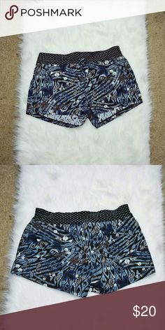 Athleta Blue Print Shorts In flawless like new condition. Worn twice. Super stretchy, soft, and flexible! Athleta Shorts