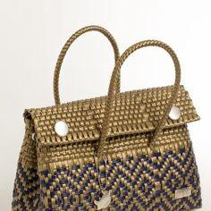 Chapin MedianaArtizanat Felicia, Straw Bag, Diy Clutch, Bushel Baskets, Wicker, Bags, Lady, Hand Made