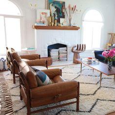 emily-henderson-choose-rug-size-living-room-west-elm-wool-shag-souk-rug-video