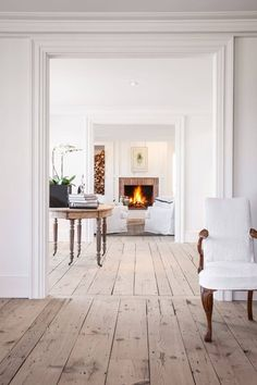Wood Flooring Transition Ideas, Gray Laminate Flooring Pics and Pics of Modern Living Room Flooring Trends. Modern Wood Floors, Living Room Hardwood Floors, Reclaimed Wood Floors, White Wood Floors, Living Room Wood Floor, Rustic Floors, Grey Laminate Flooring, Linoleum Flooring, Pine Flooring