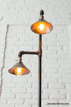 Antique vintage cast iron heating grate repurposed - Lampadaire industriel vintage ...