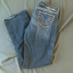 """Big Star Maddie size 31L Very comfortable Boot cut jeans. Maddie style is a mid rise fit. Size 31 long. Inseam is about 35"""" Big Star Jeans Boot Cut"""