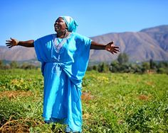 Somali Bantu spokeswoman Sitey Mbere at an IRC New Roots farm raising in San Diego.