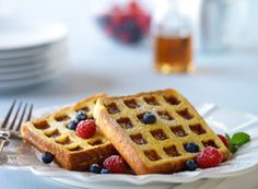 French Toast Waffles! The ultimate combination of two classic breakfast foods. Can you say yum?