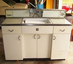 Attrayant Rare Vintage Youngstown Kitchens Metal Hutch
