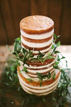 White naked cake wit