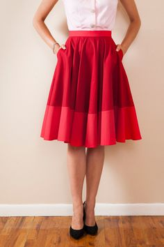 Flared circle skirt with color block and pockets