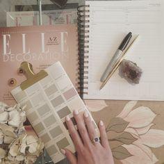#werk #newnails #mydesk #thedesignseeker #interiorblog #blogger #farrowandball #coleandson #thedaydesigner #interiordesign @cole_and_son_wallpapers @farrowandball #interiorspo #inspiration #wallpaper #paint #flatlay