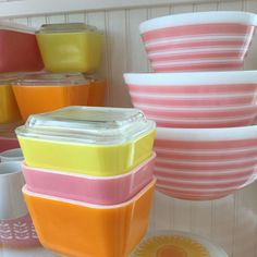 Vintage yellow, pink, and orange Pyrex refrigerator dishes and pink striped nested mixing bowls Vintage Bowls, Vintage Kitchenware, Vintage Dishes, Vintage Pyrex, Vintage Glassware, Pink Pyrex, Glass Kitchen, Kitchen Pantry, Pyrex Bowls