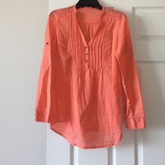 Cotton Coral top Really cute top. Prefect with white jeans Zara Tops