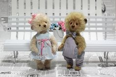 And here is a sweet couple of inseparable friends. These lovely bears are named Sonya and Pierre. They are very friendly and can not live without a single minute. Pierre, as a true gentleman always gives flowers to his lady and they go out together to walk or watch a movie. #teddybear #art #arttoys #ooak ##ABMHappyLife#ABMlifeissweet#petitejoys #bear #teddy #handmade ##Calledtobecreative#creativityfound#handsinframe#pawpack#MarthaStewartPets#makeyousmilestyle #artistbear #loveteddy…