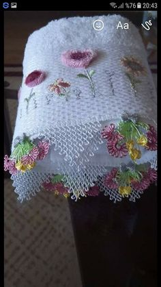 This Pin was discovered by Lal Needle Lace, Needle And Thread, Lace Embroidery, Flower Seeds, Crochet, Macrame, Diy And Crafts, Napkins, Towel