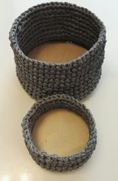 Virkatut korit puupohjalla (Anna Ruhanen) Marimekko, Crochet Fashion, Loom Knitting, Needle And Thread, Easy Crochet, Diy And Crafts, Woodworking, Textiles, Korit