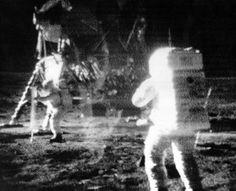Neil Armstrong, pierwszy człowiek na księżycu, zmarł w wieku 82 lat.