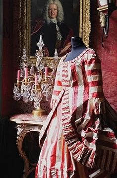 Paper Dress by Isabelle De Borchgrave.