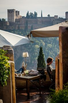 Alfresco - Descanso en Granada, Spain