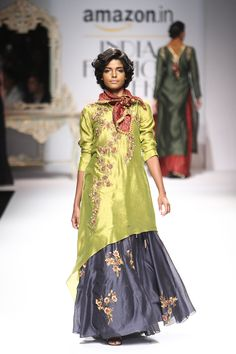 joy mitra- apple green and dusty purple silk kurta w lengha and floral motifs India Fashion Week, Fashion Week 2016, Asian Fashion, Indian Dresses, Indian Outfits, Ladies Suits Indian, Indian Couture, Embellished Dress, Indian Designer Wear