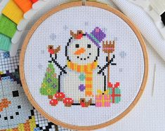 - Quick Stitch Snowman Cross Stitch Chart - Easy Fun Festive Snowman Design - Small Quick Project for 14 Count Aida fits hoop PATTERN Quick Stitch Snowman Cross Stitch Chart Easy Fun Cross Stitch Christmas Ornaments, Xmas Cross Stitch, Simple Cross Stitch, Christmas Cross, Cross Stitch Charts, Cross Stitching, Cross Stitch Embroidery, New Embroidery Designs, Embroidery Patterns