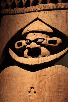 Canaque Kanak l'art est une parole Flèche faîtière en bois Bwae Obun Touho Institut Français d'Océanie Musée de Nouvelle-Calédonie Nouméa
