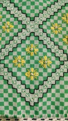 You are in the right place about Arts and Crafts table Here we offer you the most beautiful pictures about Hardanger Embroidery, Embroidery Stitches, Embroidery Patterns, Hand Embroidery, Chicken Scratch Patterns, Chicken Scratch Embroidery, Bordado Tipo Chicken Scratch, Modern Quilt Blocks, American Girl Crafts
