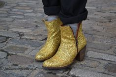 Be bold with boots in metallic and glitter 4th Street, Metallic, Spring Summer, Pearl, Glitter, Booty, Street Style, My Style, Shoes