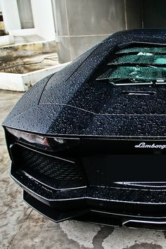 Beautiful Lamborghini Aventador closeup via carhoots.com
