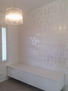 Moderni valkoinen koti: Eteisen lamppulöytö